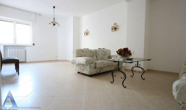 Appartamento in vendita a Taranto, Centrale, 129 mq