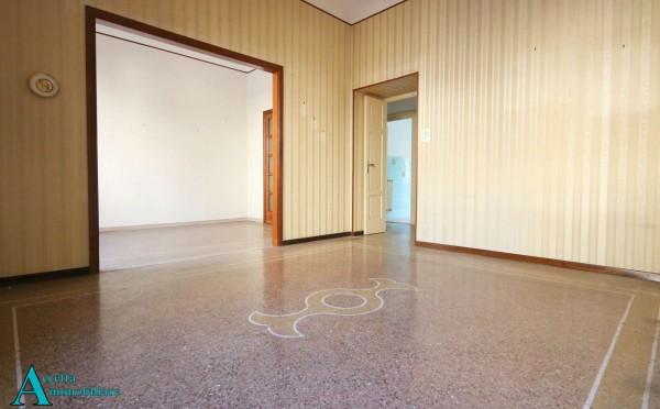 Appartamento in vendita a Taranto, Semicentrale, Con giardino, 115 mq