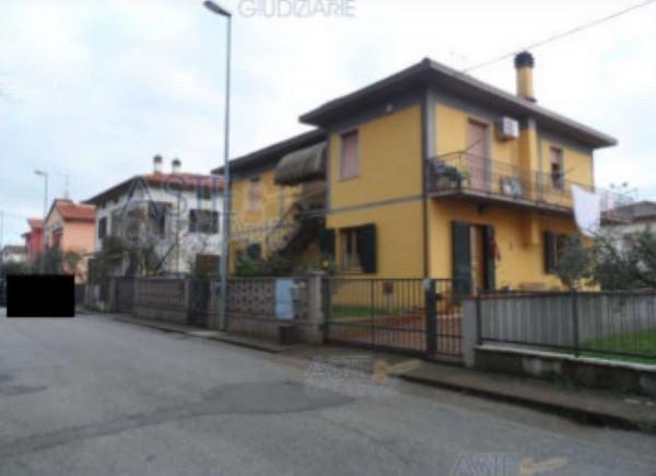 Appartamento in vendita a Quarrata, 145 mq