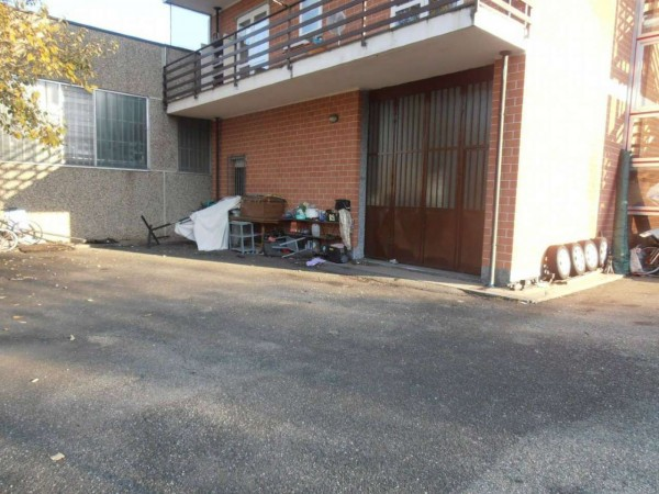 Capannone in affitto a Alpignano, 100 mq