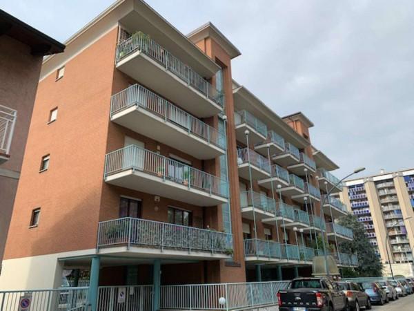 Appartamento in affitto a Collegno, Paradiso, 80 mq