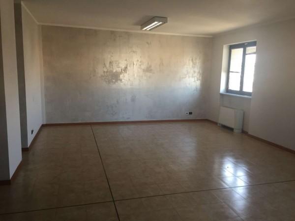 Ufficio in affitto a Nichelino, Con giardino, 85 mq