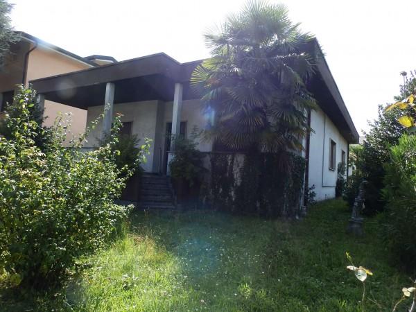 Villa in vendita a Lentate sul Seveso, Con giardino, 150 mq