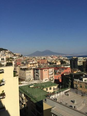 Appartamento in vendita a Napoli, 210 mq