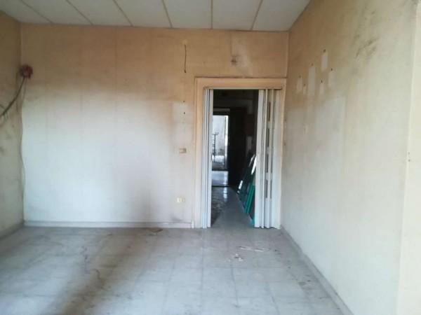 Appartamento in vendita a Napoli, 95 mq