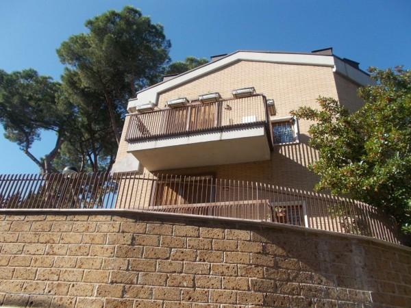 Villetta a schiera in vendita a Roma, Cassia Tomba Di Nerone, Con giardino, 125 mq