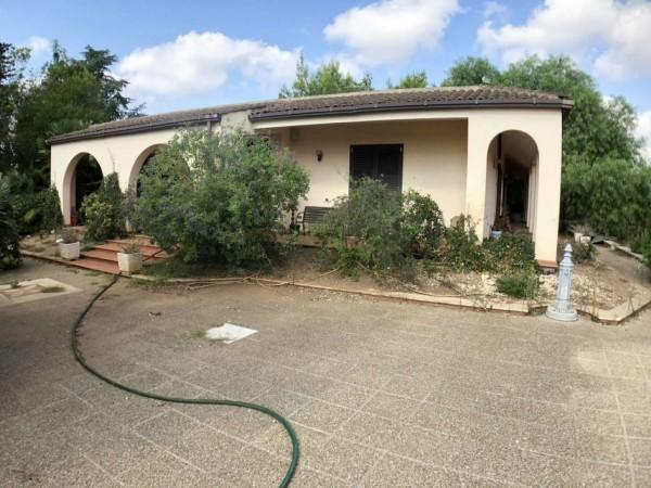 Villa in vendita a Lecce, C/o Via Vecchia Frigole, Con giardino, 200 mq
