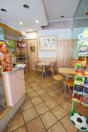 Locale Commerciale  in vendita a Caronno Pertusella, Cento, 110 mq - Foto 9