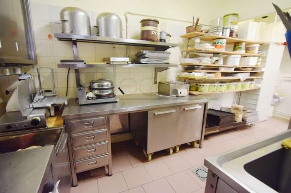 Locale Commerciale  in vendita a Caronno Pertusella, Cento, 110 mq - Foto 10