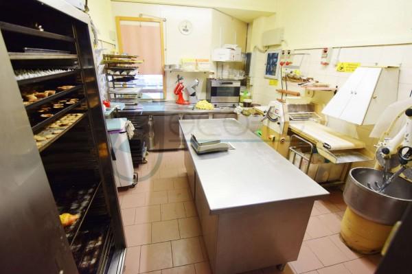 Locale Commerciale  in vendita a Caronno Pertusella, Cento, 110 mq - Foto 13