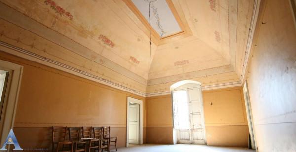 Villa in vendita a Taranto, Residenziale, Con giardino, 300 mq