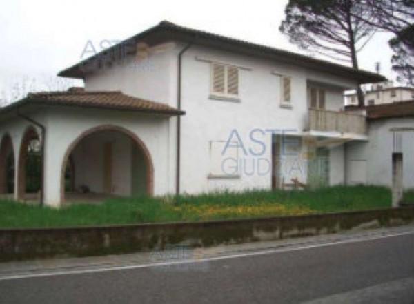Casa indipendente in vendita a Quarrata, Centro, Con giardino, 146 mq