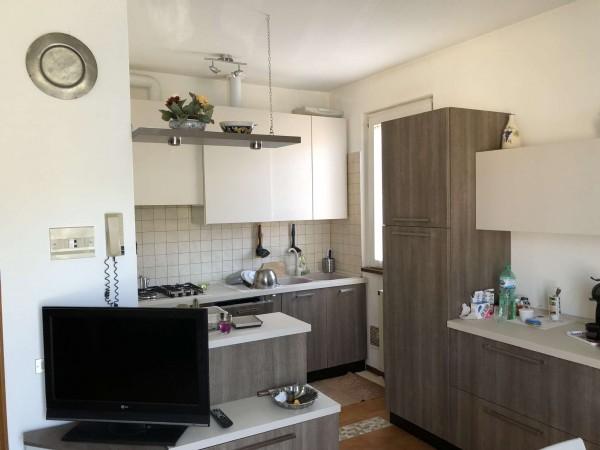 Appartamento in vendita a Azzio, Semicentrale, Con giardino, 75 mq