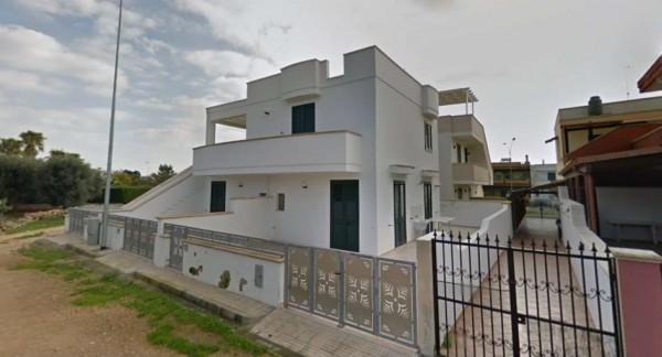Villa in vendita a Ugento, Torre San Giovanni, Arredato, con giardino, 75 mq