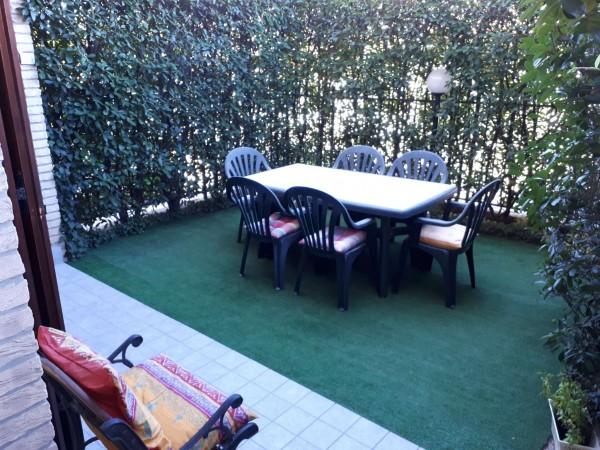 Appartamento in vendita a Solaro, Centro, 55 mq