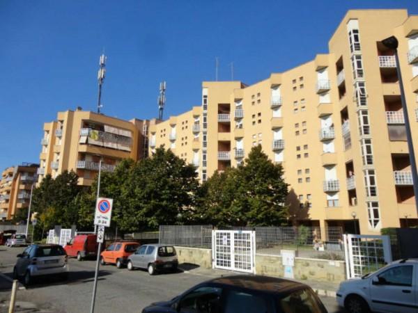 Appartamento in vendita a Pomezia, Con giardino, 90 mq