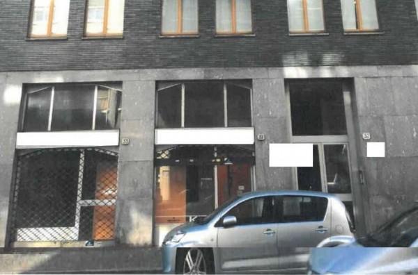 Locale Commerciale  in vendita a Como, 79 mq