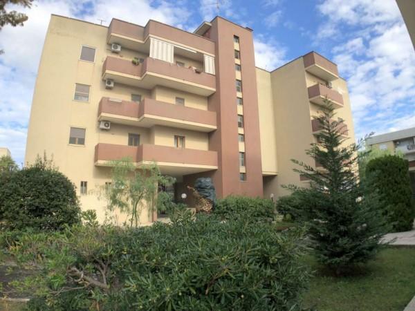 Appartamento in vendita a Lecce, Via Leuca, Con giardino, 110 mq