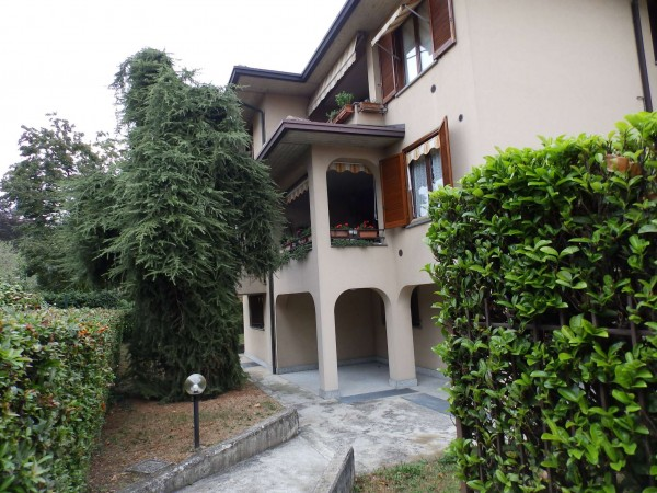Appartamento in vendita a Seregno, Con giardino, 65 mq