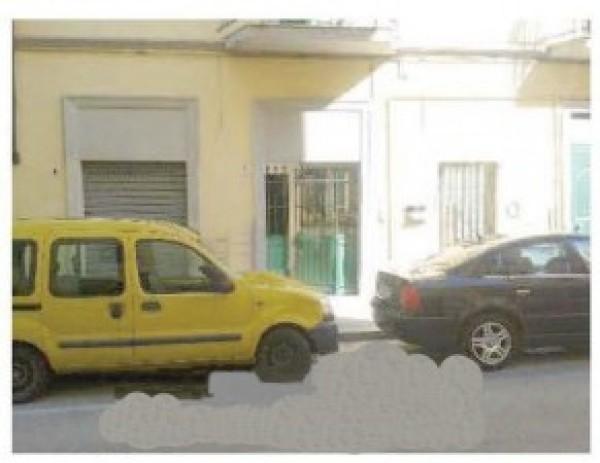 Appartamento in vendita a Livorno, Garibaldi, Con giardino, 66 mq