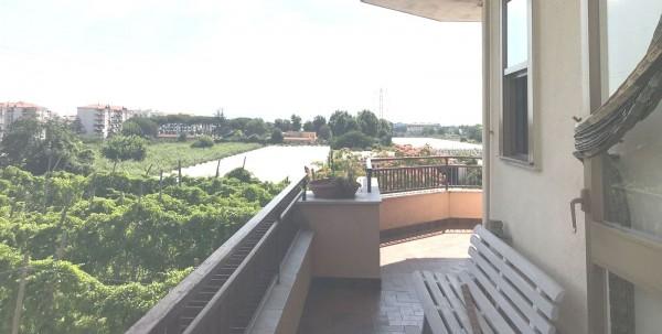 Appartamento in affitto a Lusciano, Centro, 100 mq