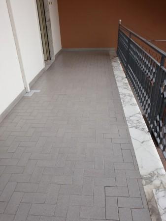 Appartamento in affitto a Trentola-Ducenta, Centrale, 70 mq