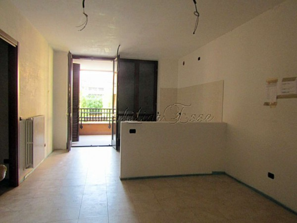 Appartamento in vendita a Peschiera Borromeo, Con giardino, 72 mq