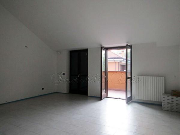 Appartamento in vendita a Peschiera Borromeo, Con giardino, 123 mq
