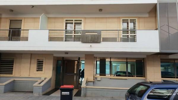 Appartamento in affitto a Triggiano, Con giardino, 90 mq