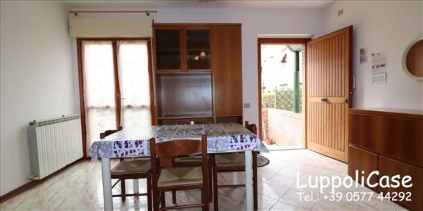 Appartamento in vendita a Siena, Con giardino, 61 mq