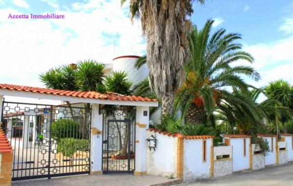 Villa in vendita a Taranto, Residenziale, Con giardino, 140 mq