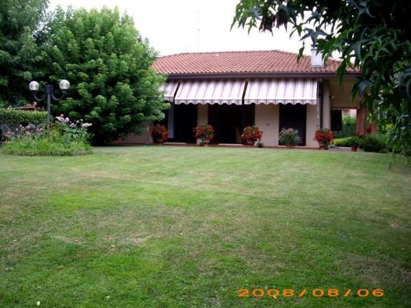 Villa in vendita a Varese, Semicentrale, Con giardino, 350 mq