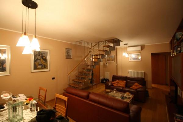 Appartamento in vendita a Milano, Santa Giulia, Arredato, con giardino, 156 mq