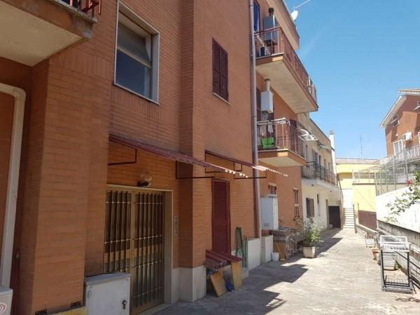 Appartamento in vendita a Roma, Montespaccato, 65 mq