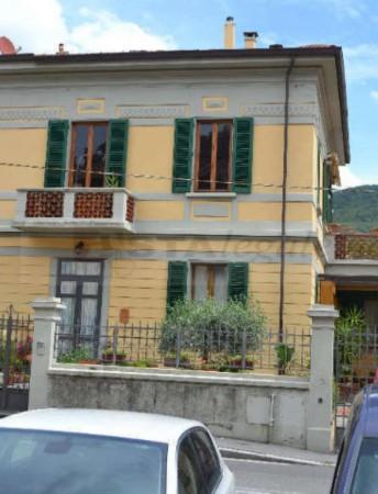 Appartamento in vendita a Prato, Con giardino, 147 mq