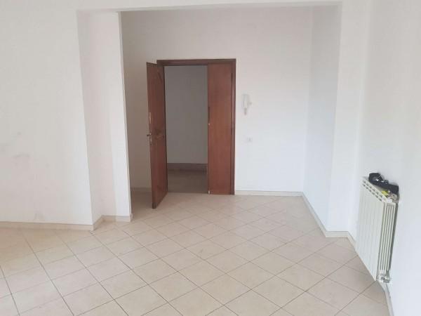 Appartamento in vendita a Roma, Casal Del Marmo, 80 mq