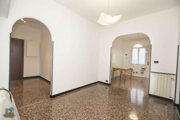 Appartamento in vendita a Genova, Molassana, 70 mq