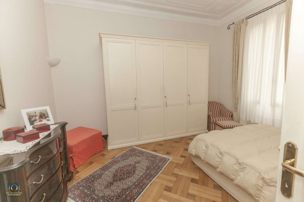 Appartamento in vendita a Genova, 90 mq