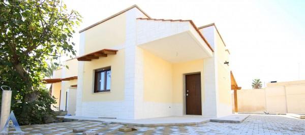 Villa in vendita a Taranto, Residenziale, Con giardino, 55 mq