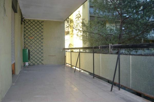 Appartamento in vendita a Roma, Torrino, Con giardino, 105 mq