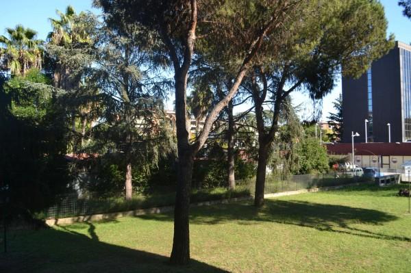 Appartamento in vendita a Roma, Torrino, Con giardino, 83 mq