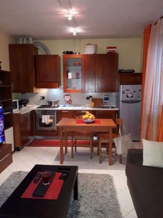 Appartamento in affitto a Cesate, Con giardino, 60 mq