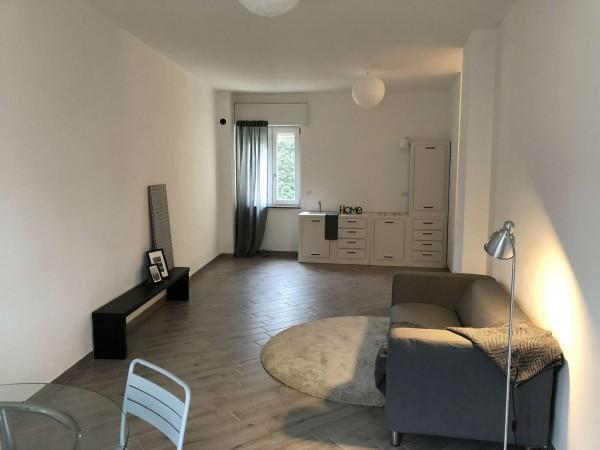 Appartamento in vendita a Besozzo, Centrale, 90 mq