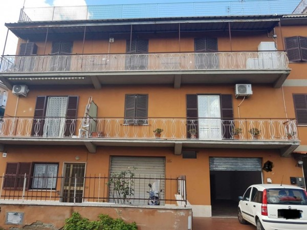 Locale Commerciale  in vendita a Roma, Montespaccato, Con giardino, 60 mq