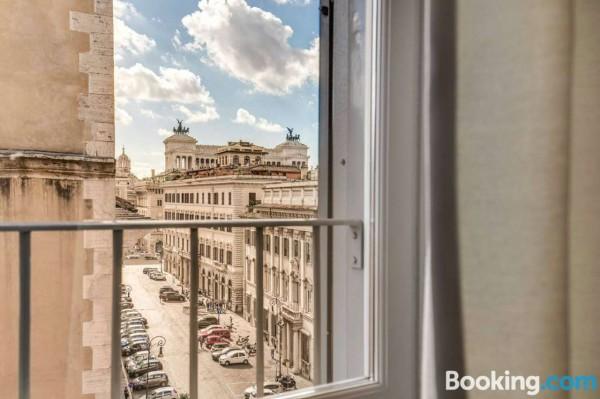 Locale Commerciale  in vendita a Roma, Piazza Venezia, Arredato, 80 mq