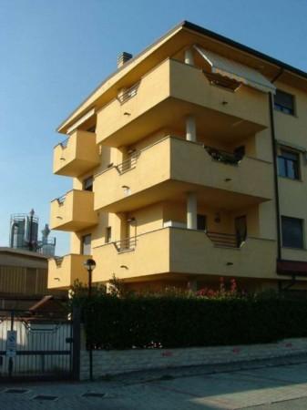 Appartamento in vendita a Mariano Comense, 63 mq