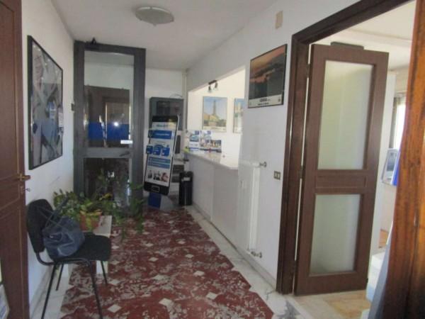 Ufficio in vendita a Genova, Sampierdarena, 120 mq