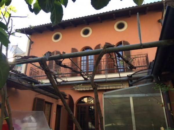 Casa indipendente in vendita a Torino, Con giardino, 200 mq