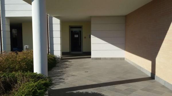 Appartamento in vendita a Modena, Con giardino, 150 mq