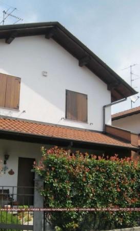 Villa in vendita a Bregnano, 241 mq